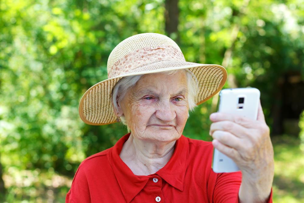 phone-grandma